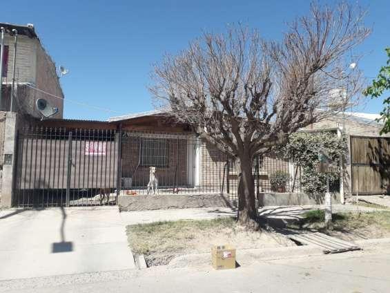 Vendo casa solida con terreno mendoza argentina.
