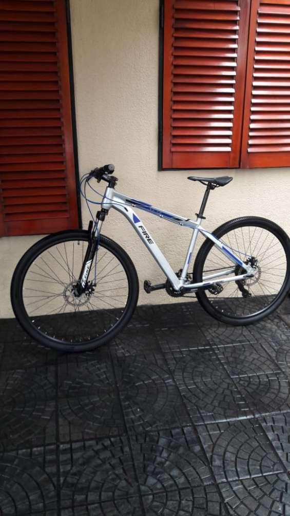 Bicicleta mountain bike rod29 poco uso, como nueva