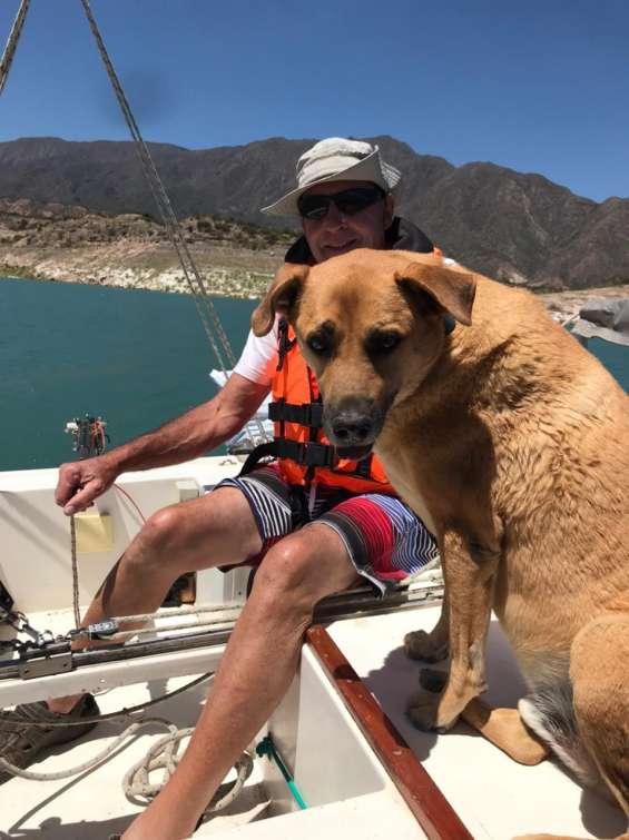 Paseo en velero en el dique potrerillos