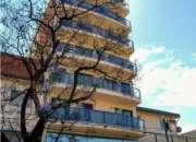 Departamento General Paz Monoambiente con balcon frente plaza Alberdi